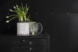 designový doplněk na květiny