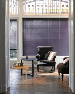 Horizontální žaluzie jsou kromě oblasti stínění i ideálním stylovým prvkem /