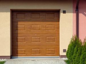 Sekční vrata jsou dalším rozšířeným typem /