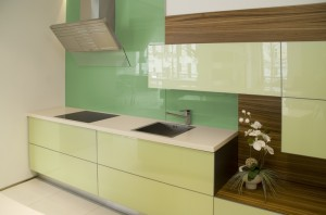 Plexisklo má široké uplatnění i v interiérových prvcích /