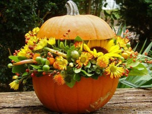 Autumn-Decoration-Pumpkin-with-Flowers