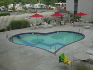 Co třeba bazén ve tvaru srdce?